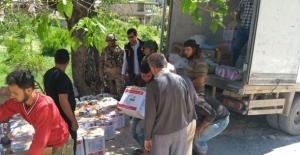 Afrin'de Gıda Ve Hijyen Malzemesi Dağıtıldı