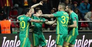 Fenerbahçe, Kayseri'yi Gole Boğdu