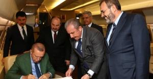 AK Parti Ve MHP Cumhur İttifakı Protokolü'nü YSK'ya Teslim Etti