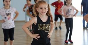 Ataşehir Belediyesi'nin Yaz Sanat Okulları Devam Ediyor