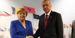 Cumhurbaşkanı Erdoğan Merkel İle Görüştü