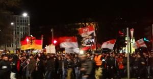Almanya'da Kadınlar 'Aşırı Sağ Partilere Yöneliyor'