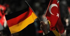 Almanya'dan Türkiye'ye Uçan Yolcu Sayısında Büyük Artış