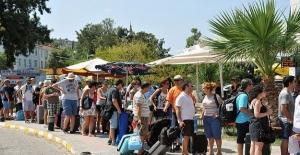 BM: Türkiye, Turist Sayısında Zirve Yaptı