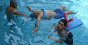 Çukurova'da Yüzmeye Engel Yok