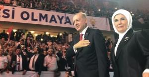 Cumhurbaşkanı Erdoğan Kongre Salonuna Giriş Yaptı