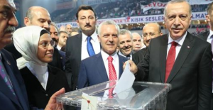 Cumhurbaşkanı Erdoğan Bin 380 Oyla Yeniden Genel Başkan