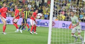 Fenerbahçe Şampiyonlar Ligi'ne 3. Eleme Turunda Veda Etti