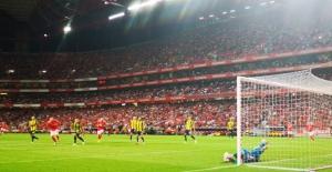 Fenerbahçe Turu İstanbul'a Bıraktı