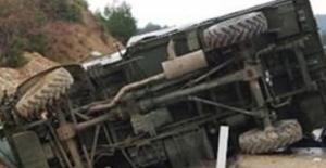 Hakkari'den Acı Haber! Askeri Araç Devrildi: 2 Şehit, 7 Askerimiz Yaralı