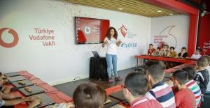 Vodafone'dan Köylere Kodlama Eğitimi