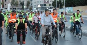 Zeytinburnu Halkı ZEYBİS Projesiyle Pedal Çeviriyor