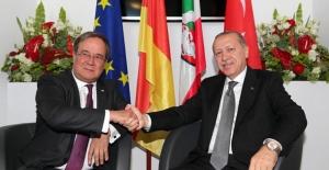 Cumhurbaşkanı Erdoğan, Kuzey Ren Vestfalya Başbakanı Laschet'i Kabul Etti