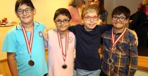 Özel Çocukların Madalya Sevinçi