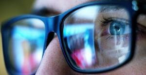 Dijital Ekranlarda Sinsi Tehlike: Mavi Işık