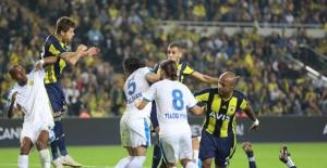Fenerbahçe, Kadıköy'de Ankaragücü'ne 3-1 Mağlup Oldu