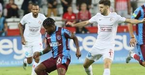 Trabzonspor İle Antalyaspor Puanları Paylaştı