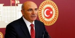 """CHP'li Tanal, """"Yurt Dışında Ülkenin Kurucu Liderinin Büstü Olmayacak Da Nerede Olacak"""""""