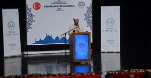"""Diyanet İşleri Başkanı Erbaş, """"Gençlerimize Rol Model Olmalıyız"""""""