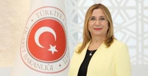 """""""Geleceğin Güçlü Türkiye'si, Fedakârca Görev Yapan Öğretmenlerimizin Omuzları Üzerinde Yükselecektir"""""""