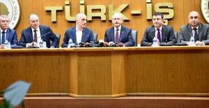 """Kılıçdaroğlu, """"Kayıt Dışı İşçiliği Önlemenin Tek Yolu Sendikalaşmaktır"""""""