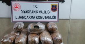 Diyarbakır'da 49,026 Kg Kubar Esrar Maddesi  Ele Geçirildi