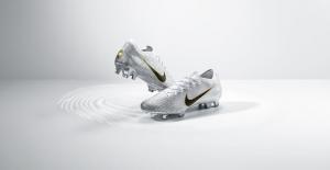 Dünyanın En İyi Futbolcusu Modric'e Özel Krampon