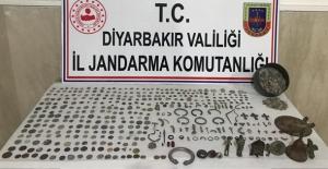 Bismil'de Tarihi Eser Satıcısı 3 Kişi Yakalandı