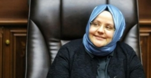 Bakan Selçuk'tan Merve Başoğlu'na Tebrik