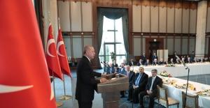 Cumhurbaşkanı Erdoğan, Doğu Ve Güneydoğu Anadolu Bölgelerinden Kanaat Önderlerini Kabul Etti