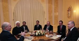 Erdoğan, Putin, Ruhani Ve Lukaşenko İle Bir Araya Geldi