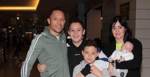 Beşiktaş'lı Adriano Hafta Sonunu Ailesiyle Geçirdi