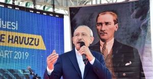 """""""Bu Bayrağın Altında Onurumla Yaşarım, 82 Milyonu Da Kucaklarım"""""""