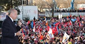 """""""Diyarbakır'ın Tek İhtiyacı Bölücü Örgütün Gölgesinin Şehrin Üzerinden Kalkmasıdır"""""""