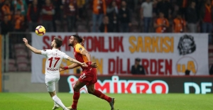 Galatasaray, Antalyaspor'u 5'ledi