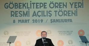 """""""Göbeklitepe, Anadolu'daki Medeniyet Köklerinin Derinliğini Göstermektedir"""""""