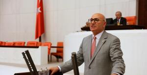 "CHP'li Tanal: ""Meclis'te İsraf Var Temizlik Personeline Kıyafet Yok!"""