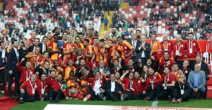 Cumhurbaşkanı Erdoğan'dan Galatasaray'a Tebrik Mesajı