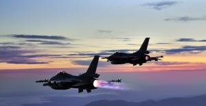 Irak'ın Kuzeyi Hakurk, Avaşin-Basyan Bölgelerine Hava Harekatı