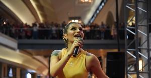 """İrem Derici, """"Yıldız Tilbe Müzik Dünyasının En Gerçek Kadınıdır"""""""