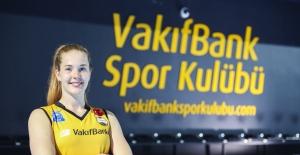 """Isabelle Haak: """"VakıfBank'ta Oynamak Hayalimdi"""""""