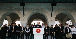 """""""İslam Toplumlarında Camiler Hayatın Merkezi, Bulunduğu Çevrenin Kalbi Olmuştur"""""""
