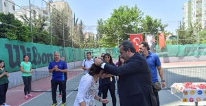 Şampiyonlar Madalyalarını Başkan Çetin'den Aldı