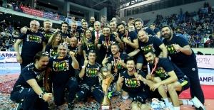 Voleybol'da Efeler Ligi Şampiyonu Fenerbahçe