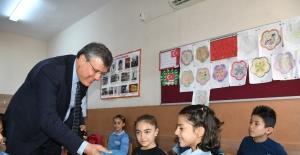 """CHP'li Barut'tan Eğitim Seferberliği Çağrısı: """"Eğitim Yaz-Boz Tahtasına Döndürüldü"""""""