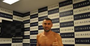 Beşiktaş Futbol Takımı'ndan Burak Yılmaz Sağlık Kontrolünden Geçti
