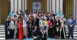 Cumhurbaşkanı Erdoğan, Amerikalı Ve Kanadalı Öğrencileri Kabul Etti