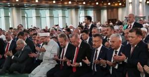 Cumhurbaşkanı Erdoğan, Şehitler İçin Kur'an-ı Kerim Okudu