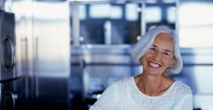 Menopoz Döneminde Light Süt İçerek Kalsiyum İhtiyacınızı Karşılayın
