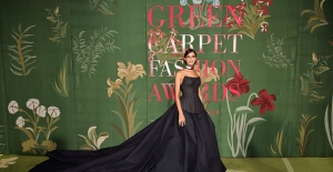 Benedetta Porcaroli, Larsen Thompson Ve Larsen Thompson Green Carpet Moda Ödülleri Töreninde Tommy Hilfiger Giydi